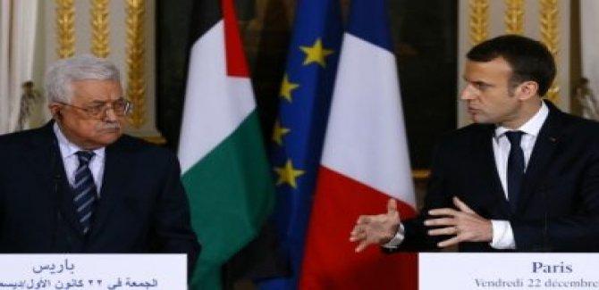 Macron, Filistin Devlet Başkanı Abbas'ı Paris'e Çağırdı