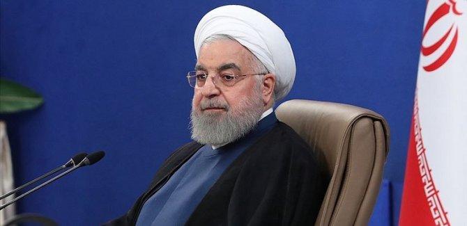 Ruhani'den salgın yorumu: İran-Irak savaşına benziyor