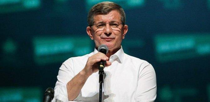 Davutoğlu:Kürtlerin kendisini özgür hissetmediği bir Türkiye'de hiçbirimiz huzurlu olamayız