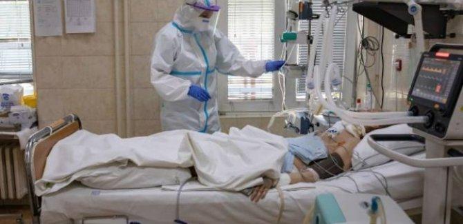 İngiltere'de korkutan koronavirüs senaryosu: 85 bin kişi ölebilir
