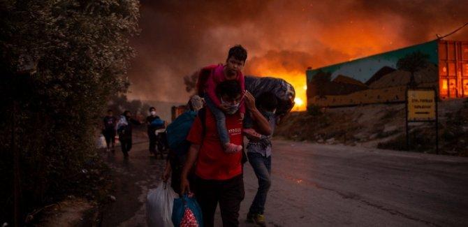 UNİCEF: Moria kampındaki yangında 4 bin çocuk sokakta kaldı