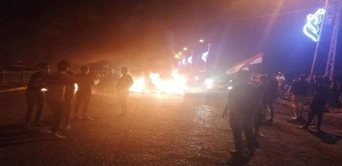 Irak'ta göstericiler köprüleri kapattı