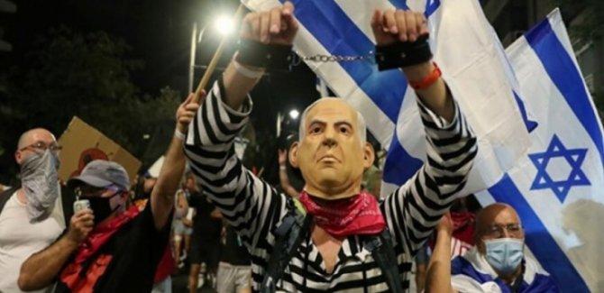 Netanyahu Karşıtı Binlerce Kişi Sokaklara Döküldü