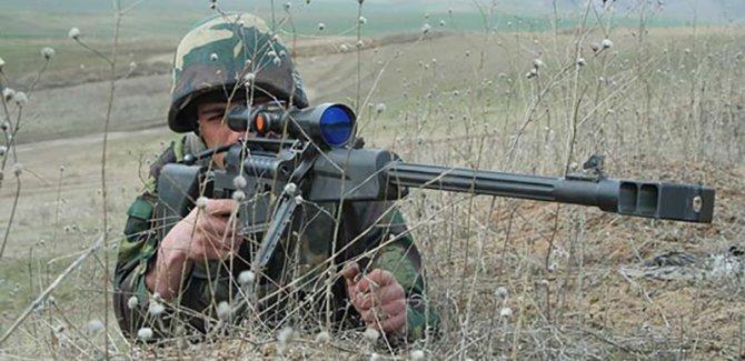 Azeri ve Ermeni askerleri arasında çatışma