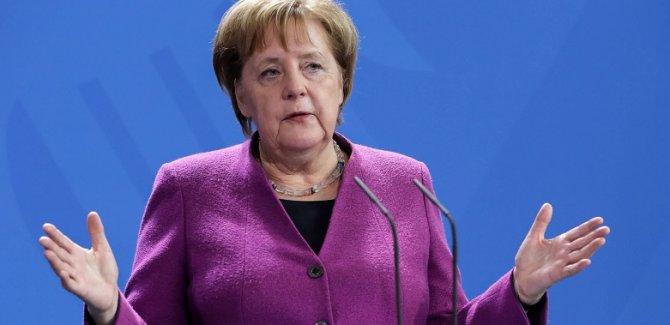Merkel: Refahımız ve acılarımız bölünmüş durumda