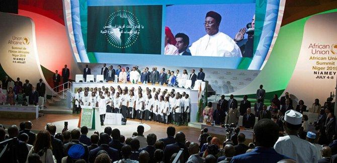 Afrika'nın çığlığı, Faizleri askıya alın