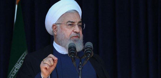 Ruhani: Yaptırımlar İran'a en az 150 milyar dolar zarar verdi