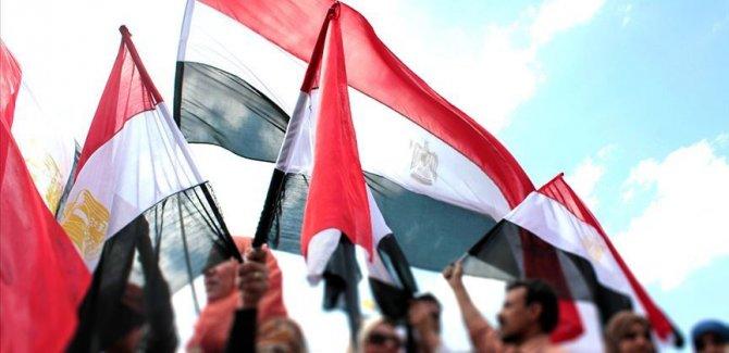 Mursi'nin oğlu dahil 6 avukat barodan ihraç edildi