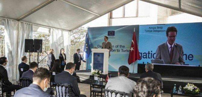 AB'den Türkiye'deki sığınmacılara yaklaşık 400 milyon euro'luk yeni destek