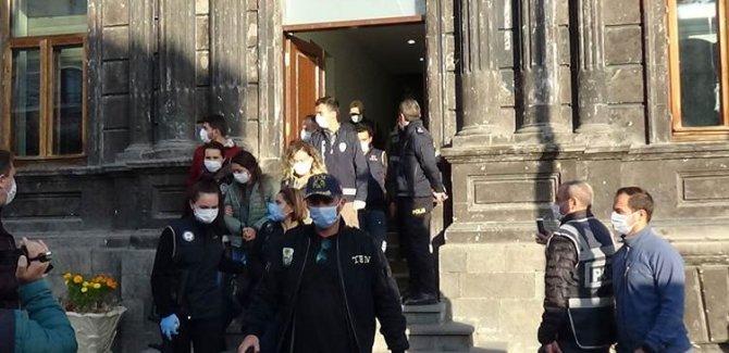 Kars'ta 19 HDP'li gözaltına alındı