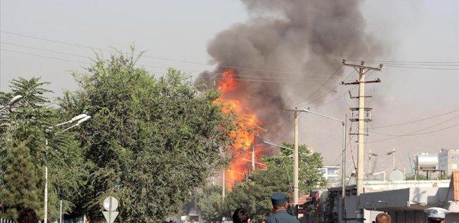 Afganistan'da askeri karakola bomba yüklü araçla saldırı: 9 ölü