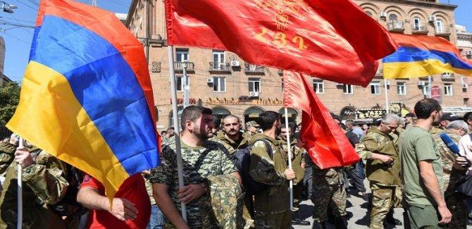 Ermenistan'dan sıkıyönetimi sertleştirme kararı