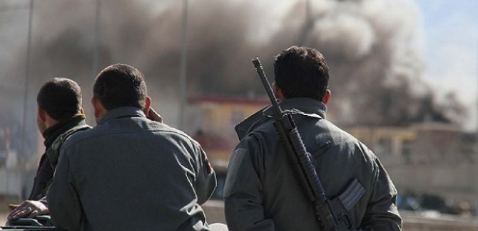 Afganistan'da çatışma: 25 güvenlik görevlisi öldü