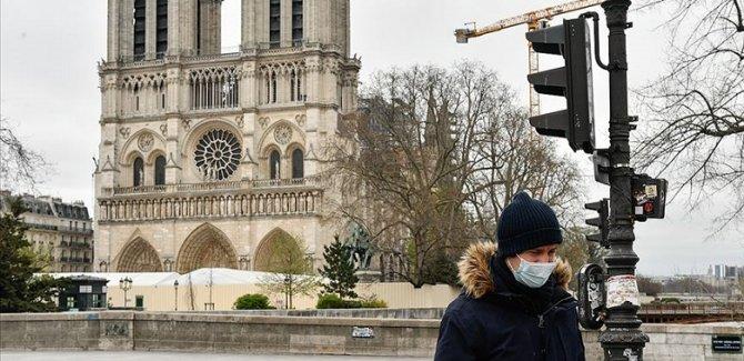 Fransa'da ülke geneli sokağa çıkma yasağı