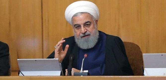 Ruhani: ABD'de seçimleri kimin kazanacağı bizim için önemli değil