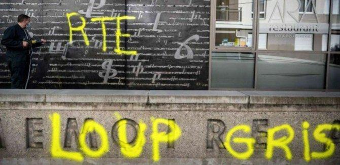 Fransa, Bozkurtlar hareketini yasakladığını açıkladı