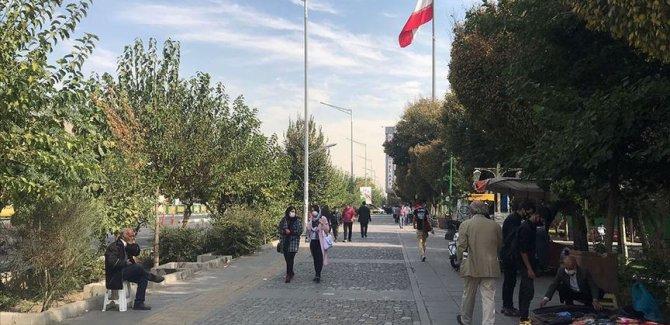 İran'da son 24 saatte 480 kişi Covid-19'dan hayatını kaybetti