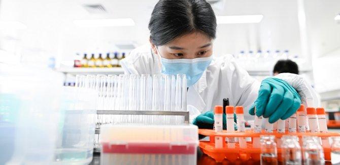 DSÖ: Aşılar Covid-19'u tamamen durdurmayacak
