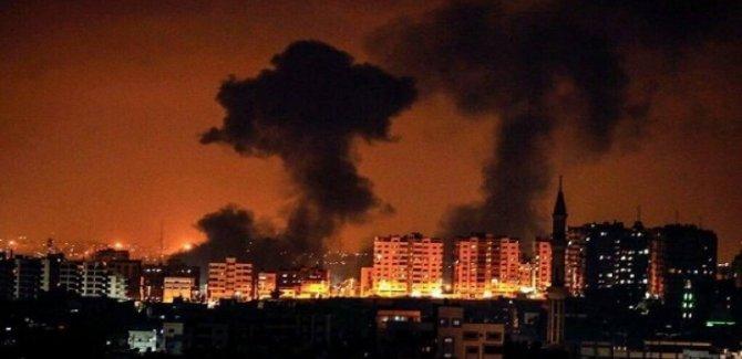 Korsan  Rejim'den Gazze'ye Hava Saldırısı