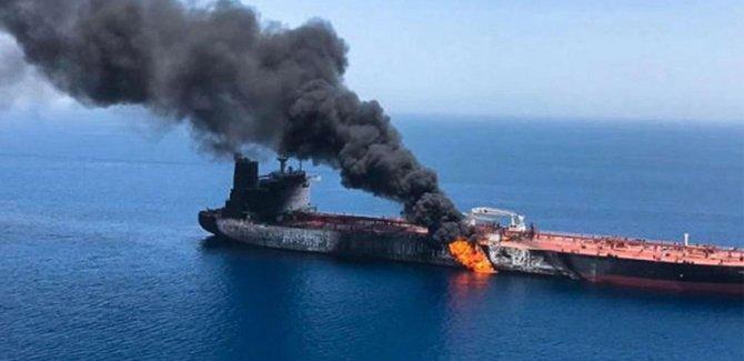 Suudi Arabistan'ın Kızıldeniz kıyısındaki petrol tankerine bombalı saldırı düzenlendi