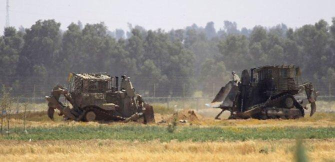 İsrail Ordusu Buldozerlerle Gazze Topraklarına Girdi