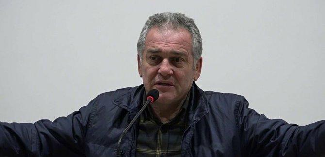 Öztürk, emekliliğini talep etti