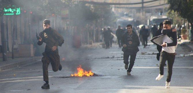 Irak Kürt Bölgesel Yönetimi'nde protestocular binaları ateşe verdi