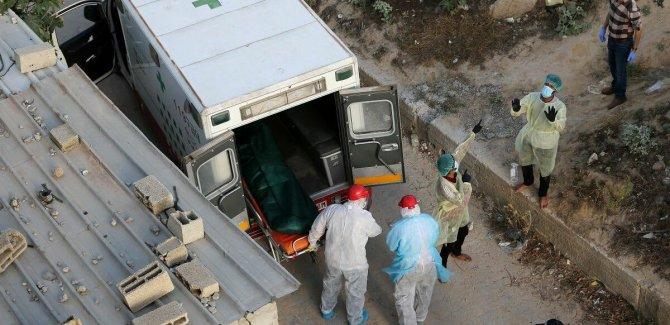 Gazze'de 8 gün yetecek kadar Kovid-19 test materyali kaldı