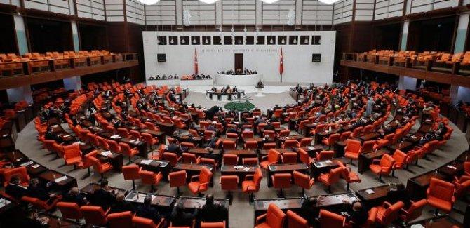 AK Parti, 4'üncü yargı paketini TBMM'ye sundu