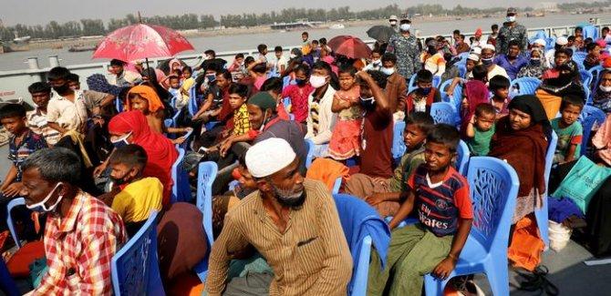 Bangladeş Rohingya Müslümanlarını bir adaya gönderiyor