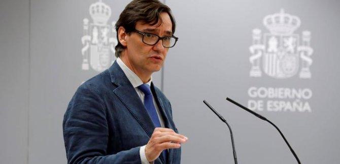 İspanya aşı olmayanları listeleyecek