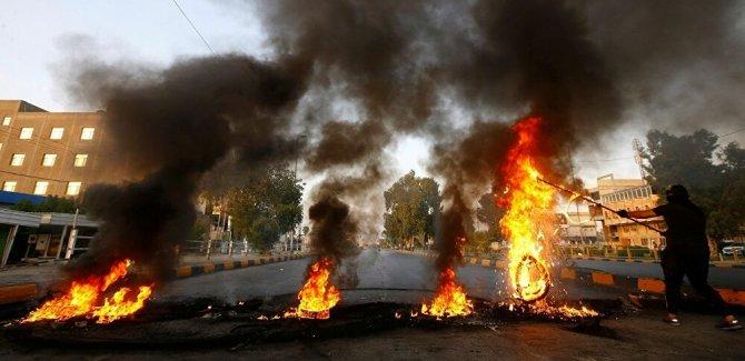 Irak'taki gösterilerde 2 kişiye suikast düzenlendi