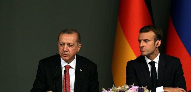 Çavuşoğlu: Macron, Erdoğan'a ilişkileri geliştirmek istediğini anlatan bir mektup gönderdi