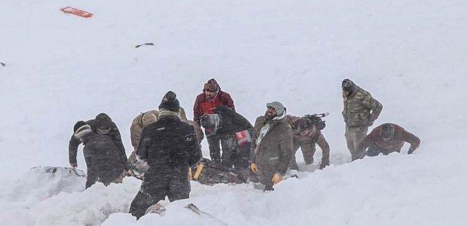 Van'da çığ felaketi; kayıp 5 kişi aranıyor