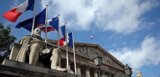Fransa'nın Cezayir'deki sömürge raporunda nükleer ve kimyasal denemelerin yapıldı