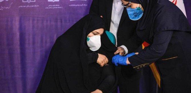 """İran'da """"Sputnik V"""" aşısı ile aşılama başladı"""