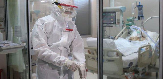 Varyantlı virüste karantina süresi en az 10 gün