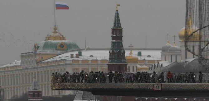 """Kremlin: Rusya'ya yaptırım tehditleri """"manyakça"""""""