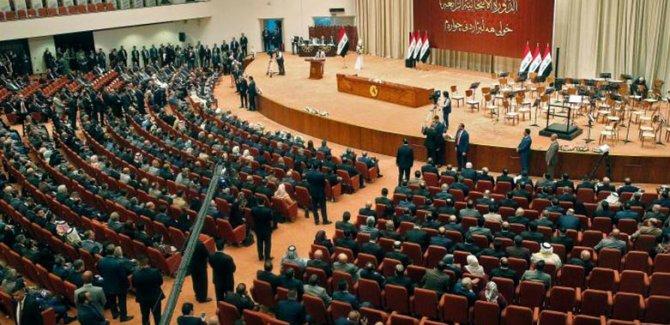 Irak'ta parlamentonun feshi için imza toplandı
