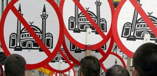 Avrupa'da İslam Karşıtlığı Tavan Yaptı!