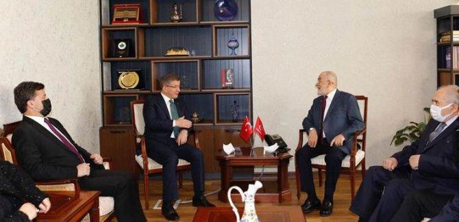 Davutoğlu: Türkiye dünyada en fazla gazetecinin tutuklu olduğu ülkelerden