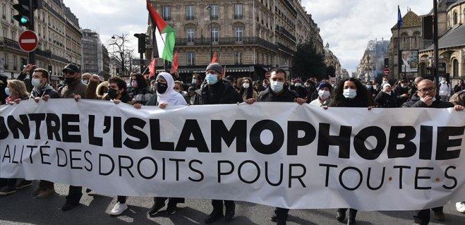 Fransa'da 'ayrılıkçı' yasa tasarısı ve İslamofobi'ye karşı gösteriler devam ediyor