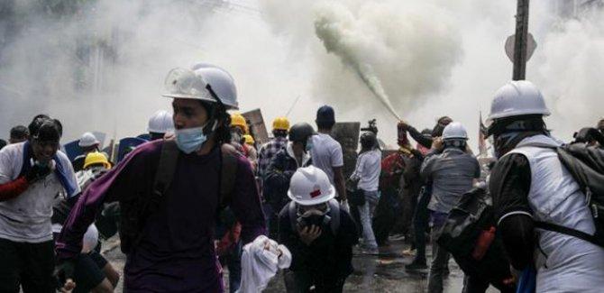 Myanmar'da protestolarda ölenlerin sayısı 320'ye yükseldi