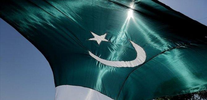 Pakistan'dan Hindistan'a Keşmir Ertelemesi