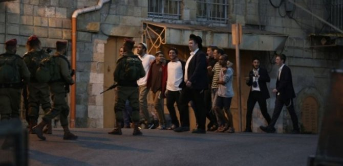 Siyonistler Filistinli Sivilleri Katletmeye Devam Ediyorlar