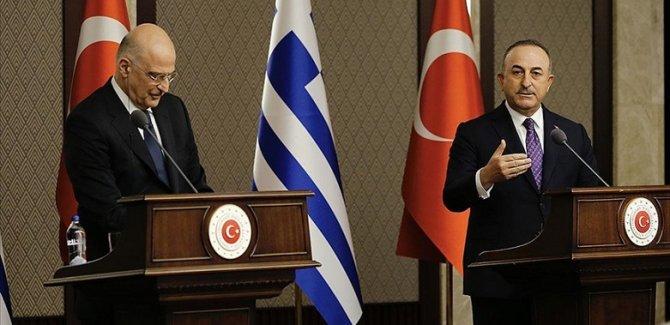 Çavuşoğlu ile Dendias'ın ortak basın toplantısında gerilim