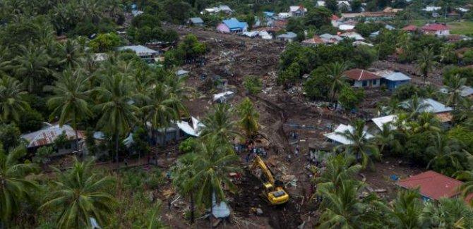 Endonezya'daki sel felaketlerinde can kaybı 181'e çıktı