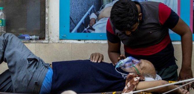 Hindistan'da salgın nedeniyle sağlık sitemi çöktü