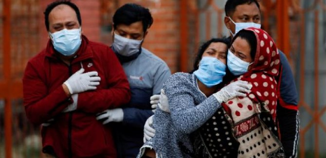 Hindistan'da en yüksek günlük can kaybı: 3 bin 780 ölüm