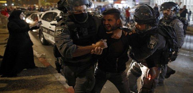 Siyonist Rejim 1.500 Filistinliyi Tutukladı